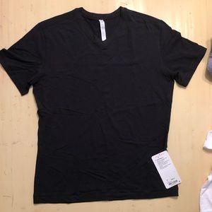 *NEW* lululemon 5 Year Basic V Black Size Large